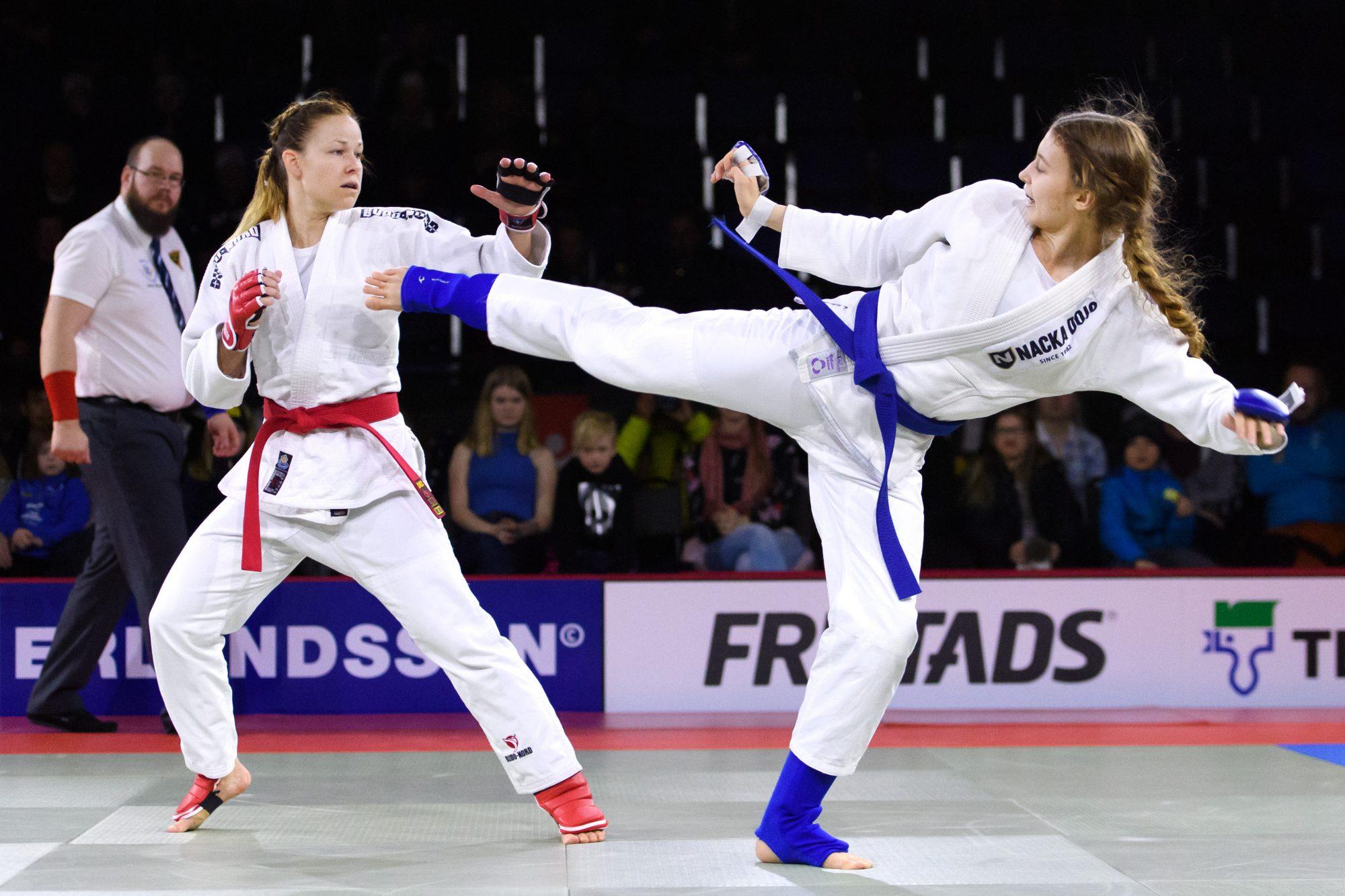 Johanna Hamberg möter Lovisa Schmidt i en final i jujutsu under dag 6 av SM-veckan den 25 mars 2018 i Skellefteå