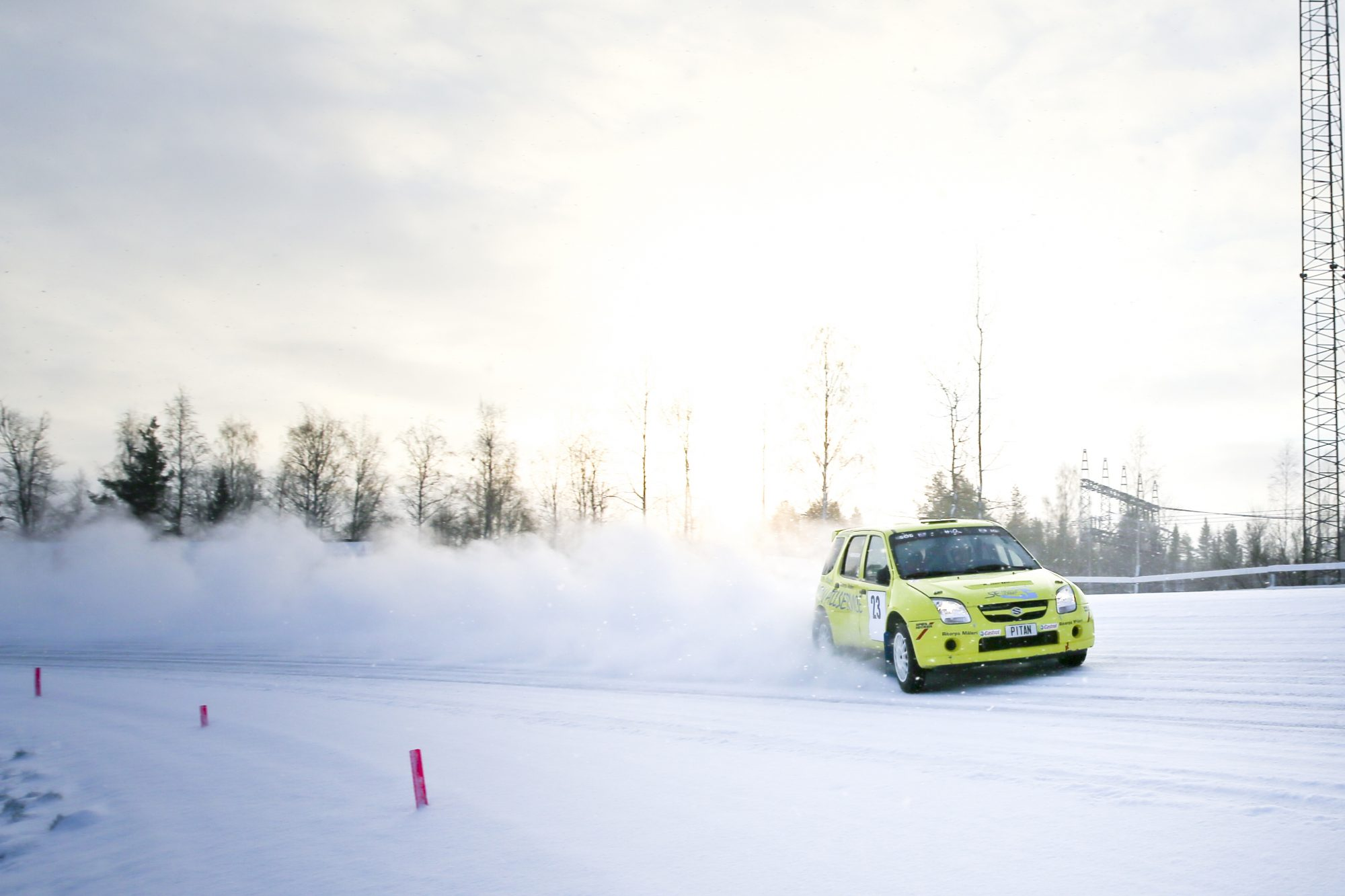 Magnus Henriksson och Staffan Lindberg kör Rallysprint under SM-veckan den 18 januari 2014 i Umeå.