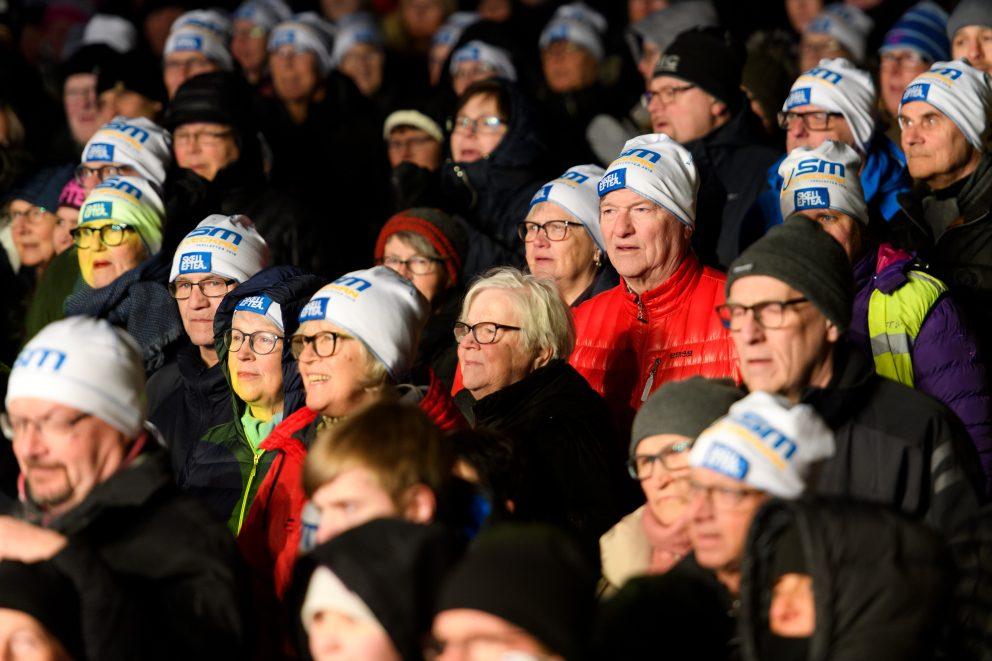 Bild på publik med SM-mössan