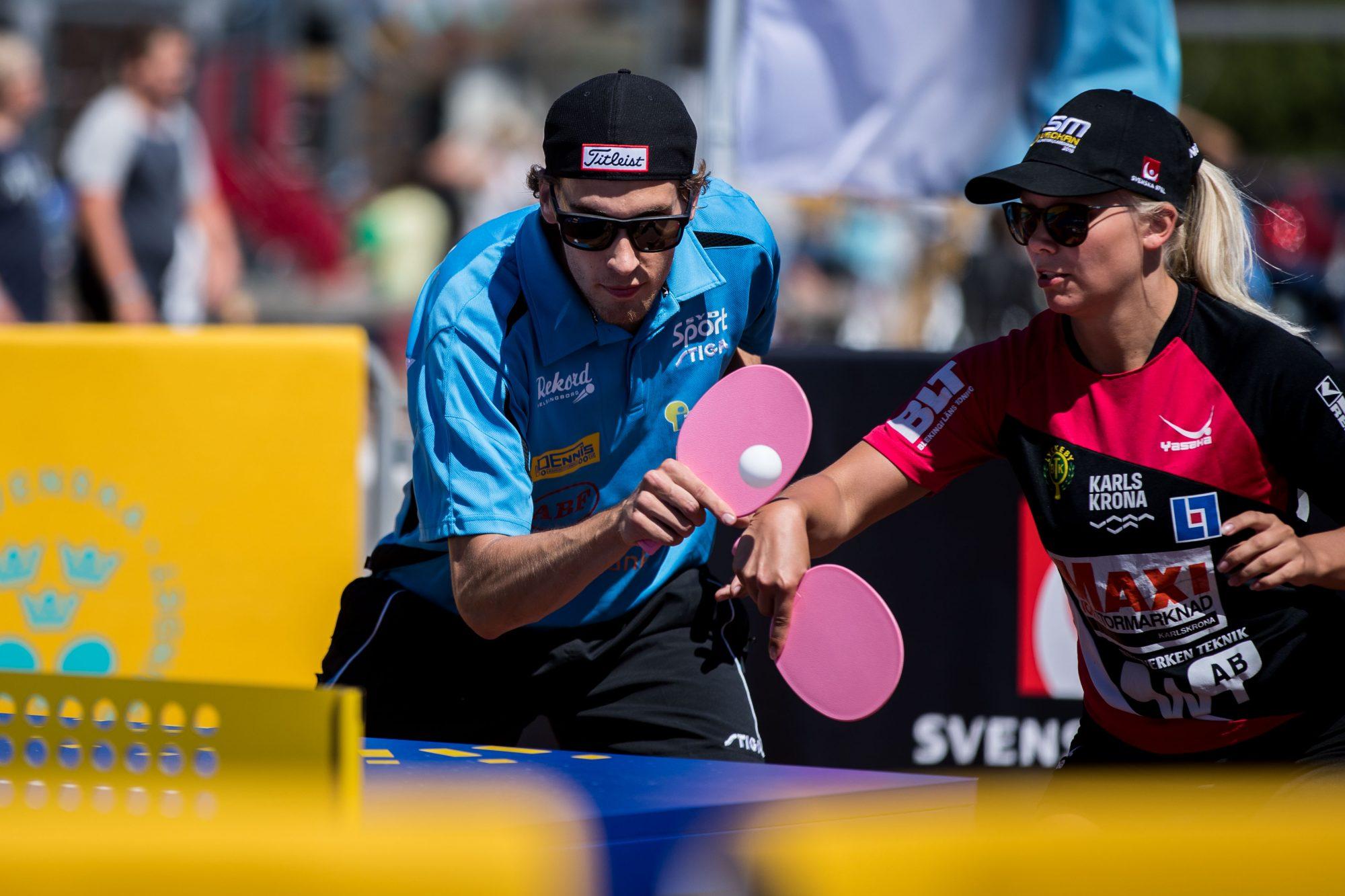 Ulrik Johannesson, BTK Rekord, och Sofia Erkheikki, Halmstad BTK, tävlar i mixed dubbel i bordtennis TTX under dag 2 av SM-veckan den 3 juli 2018 i Helsingborg/Landskrona.
