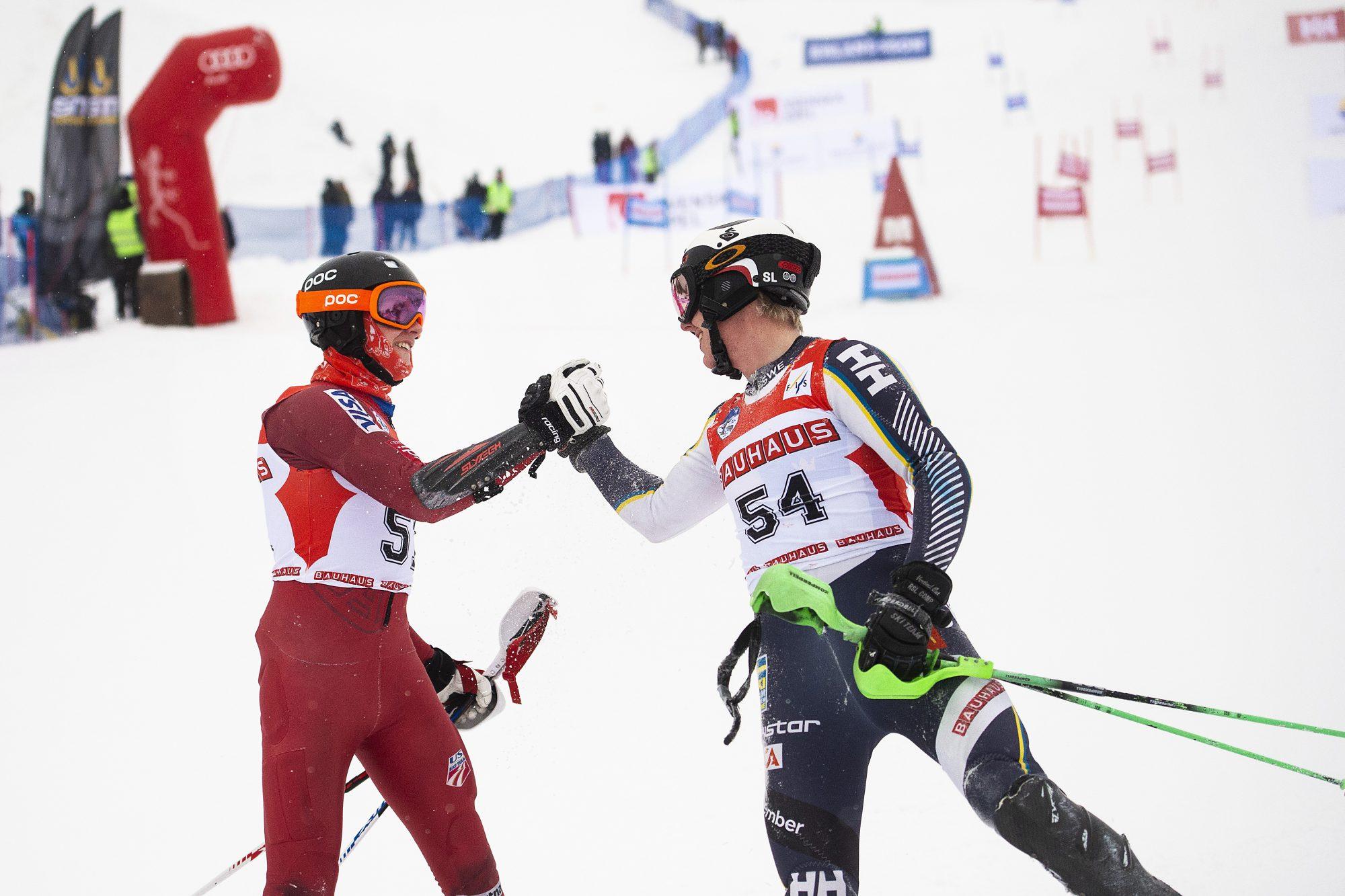 Jacob Persson och Isac Hedström under herrarnas final i Parallellslalom under dag 5 av SM-veckan den 1 februari 2019 i Sundsvall.