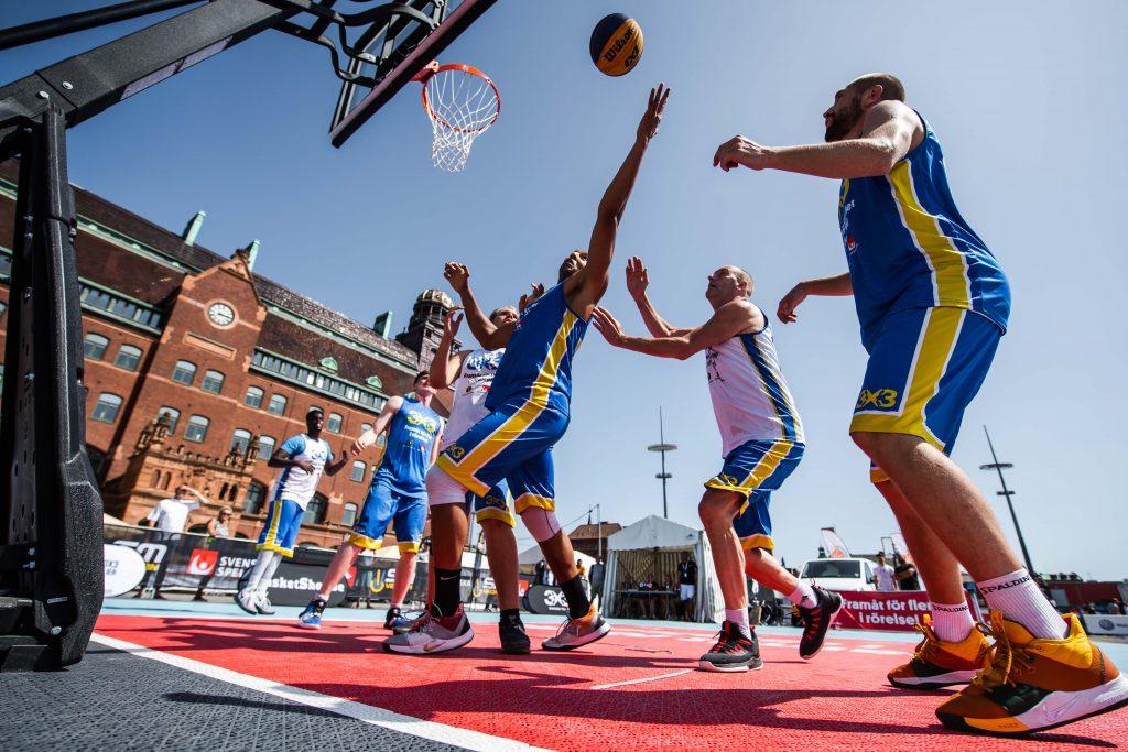 Blouses Abdourahman Medjedoub tävlar i 3x3 basket under dag 4 av SM-veckan den 29 juni 2019 i Malmö.
