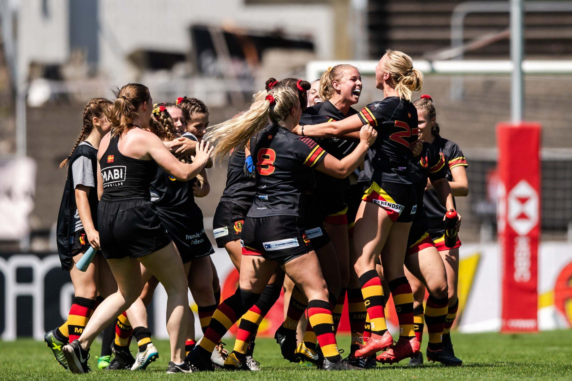 Malmö RCs spelare jublar efter rugbymatchen mellan Malmö RC och Exile Ladies under dag 5 av SM-veckan den 30 juni 2019 i Malmö.