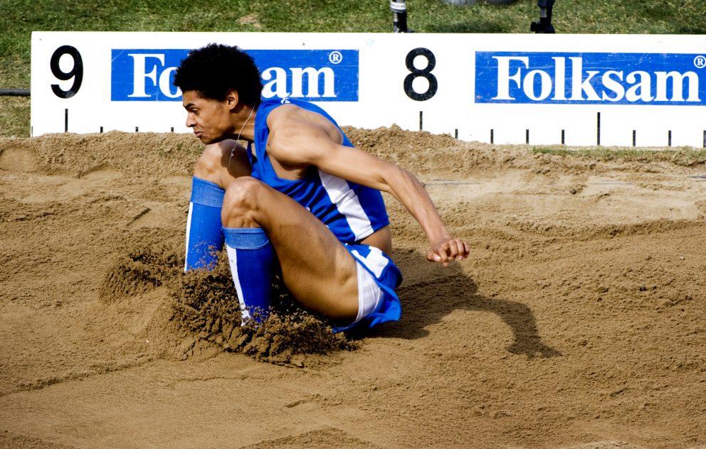 Michel Tornéus hoppade över åtta meter på SM i friidrott.