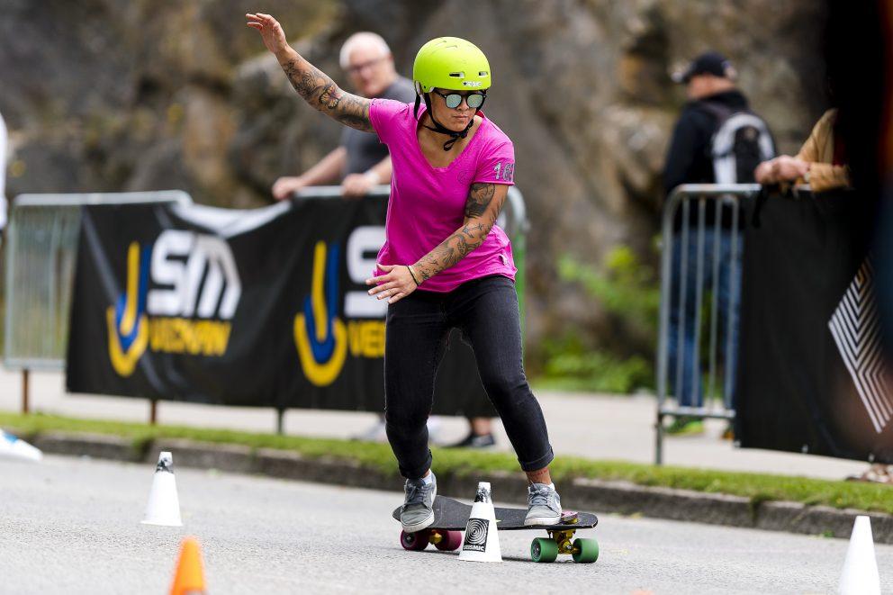 Skateboard (slalom)